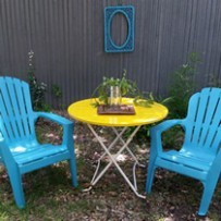 yard art table chairs
