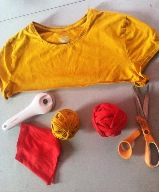 yarn, ribbin, yellow tshirt